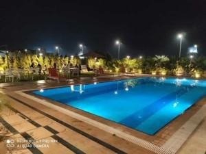 HUMMING-COTERIE-pool-min